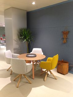 Poppy chairs in a fun arrangement. Designed by Patricia Urquiola. Font Design, Design Typography, Art Nouveau, Commercial Office Design, Movable Walls, Public Seating, Patricia Urquiola, Layout, Best Homemade Dog Food