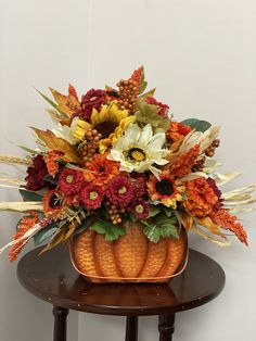 Fall centerpiece Centerpieces, Wreaths, Fall, Flowers, Gifts, Home Decor, Autumn, Presents, Decoration Home