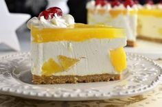 Tort cu ananas fara coacere, un desert foarte usor, aerat, racoros si absolut impresionant, atat ca si aspect cat si ca si gust. Sweets Recipes, Cookie Recipes, Desserts, Romanian Food, Cheesecakes, Biscuit, Pineapple, Goodies, Food And Drink