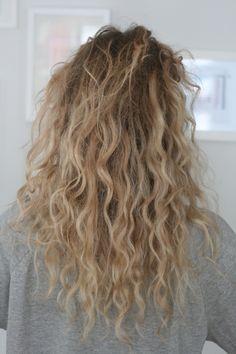 Curiosity Mediator The Voice Blonde Curly Hair Curiosity curlyhai Mediator Voice wavyhair Permed Hairstyles, Pretty Hairstyles, Easy Hairstyles, Indian Hairstyles, Wedding Hairstyles, Hair Inspo, Hair Inspiration, Curly Hair Styles, Natural Hair Styles
