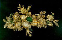 Emerald and diamond brooch from the Treasury, Topkapi Palace, Istanbul
