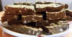 """Εξαιρετική συνταγή για Νηστίσιμο fudge με ταχίνι και cranberries. Ότι πρέπει για τη νηστεία! Και υγιεινό και σοκονόστιμο... Λίγα μυστικά ακόμα Μπορείτε να προσθέσετε και ξηρούς καρπούς περίπου 80γρ.Το ταψάκι να είναι 20χ20 εκ. και κατα προτίμηση πυρέξ!Η συνταγή είναι βασισμένη στο περιοδικό """"Γλυκές Ιστορίες – τεύχος 29 – Μάρτιος 2013"""" αλλά τη συνατγή την βρήκα εδώ."""