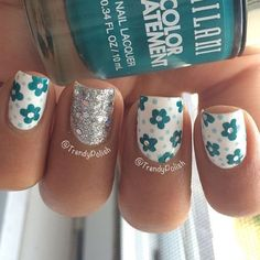 Image via Nail Art with purple butterflies and animal prints Image via New and latest nail art designs Image via Latest nail art designs 2015 Image via Latest Trend Of Nai Cute Nail Art, Cute Nails, Pretty Nails, Pretty Nail Designs, Nail Art Designs, Glitter Accent Nails, Silver Glitter, Nagellack Design, Latest Nail Art