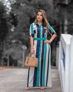 Casual Day Dresses, Stylish Dresses, Indian Designer Outfits, Designer Dresses, Workwear Fashion, Fashion Outfits, Kerala Saree Blouse Designs, Stripped Maxi Dresses, Kurta Neck Design
