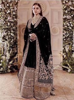 Ranveer Singhs sister in black Sabyasachi velvet lehenga at his wedding reception with Deepika Padukone Indian Gowns Dresses, Indian Fashion Dresses, Indian Designer Outfits, Pakistani Dresses, Winter Wedding Outfits, Pakistani Wedding Outfits, Indian Bridal Outfits, Winter Weddings, Lehenga Wedding