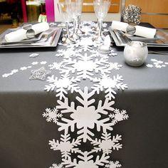 Camino de mesa navideño Copos. Navidad y año nuevo decoración