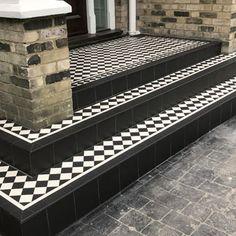 44 Ideas victorian front door porch mosaic tiles for 2019 Front Path, Front Door Steps, Front Door Porch, Porch Steps, House Front, Front Door Decor, Porch Tile, Patio Tiles, Porch Flooring