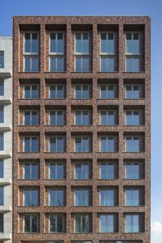 Gallery of Houthaven Blok 0 – Plots 8 & 9 / Marcel Lok_Architect – 2 – Armoot Architekt GmbH Gallery of Houthaven Blok 0 – Plots 8 & 9 / Marcel Lok_Architect – 2 Houthaven Blok 0 – Plots 8 & Luuk Kramer Brick Masonry, Brick Facade, Facade House, Building Front, Brick Building, Building Design, Brick Architecture, Architecture Details, Brick In The Wall