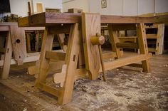 Woodworking School The Portable Moravian Workbench at The Woodwright's School - Small Workbench, Paulk Workbench, Garage Workbench Plans, Kids Workbench, Table Saw Workbench, Folding Workbench, Woodworking Workbench, Woodworking Workshop, Industrial Workbench