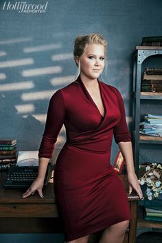 Amy Schumer---Straight shooter about sexual topics and sexy to boot! Amy Schumer, Famous Women, Girl Crushes, Beautiful Celebrities, American, Lady In Red, Plus Size Fashion, Nice Dresses, Sexy Women