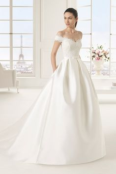 Wedding gown by Two by Rosa Clará.