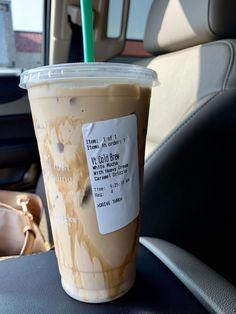 starbucks coffee My favorite way to order a cold brew from Starbucks Starbucks Diy, Bebidas Do Starbucks, Starbucks Secret Menu Drinks, How To Order Starbucks, Starbucks Frappuccino, Starbucks Iced Coffee, Coffee Coffee, Low Calorie Starbucks Drinks, Iced Caramel Latte Starbucks