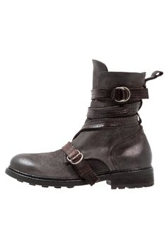 ¡Consigue este tipo de botas camperas de A.s.98 ahora! Haz clic para ver  los detalles. Envíos gratis a toda España. A.S.98 REVOLUTION Botines  camperos ... 955b73b6378aa