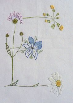 Field flowers alphabet - E – French Needlework Kits, Cross Stitch, Embroidery, Sophie Digard – The French Needle