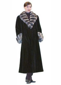 Black Chinchilla Classic Shawl Neckline Sheared Mink Coat Size 10 (M) Chinchilla Coat, Mink Fur, Mink Coats, Coat Outfit, White Fur Coat, Size 10, Plus Size, Shearing, Classic Style