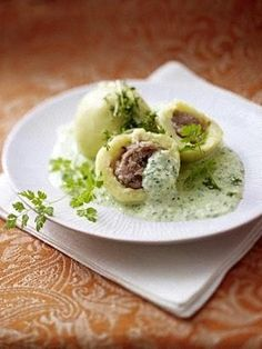 Rhön Herb Dumplings with Green Sauce Recipe Breakfast Pizza, Different Recipes, Dumplings, Tapas, Food Porn, Food And Drink, Low Carb, Yummy Food, Snacks