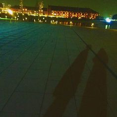 Instagram【burnboomcat】さんの写真をピンしています。 《_ #横浜#yokohama#赤レンガ倉庫#写真#photo#影#shadow#光#light#pic#景色#夜景#レンガ#建物#building#木#tree#オレンジ#orange》