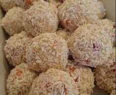 Rezept Schneebälle Erdbeer-Kokos von Filouli - Rezept der Kategorie Backen süß