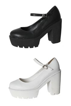Today's Hot Pick :Faux Leather Platform Heels http://fashionstylep.com/SFSELFAA0023079/insang1en/out These leather platform heels are made for walking with its comfy and stable build. Wear them with a frilly dress and floppy hat for girly-girl look. - Round toe - Strap with buckle fastener - Platform heels - Jagged outersoles - Available color(s): Black, White