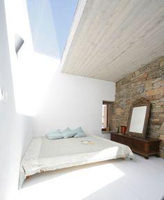 Village House in Tinos. Pour regarder les étoiles ... en espérant qu'un avion ne perde pas un boulon.