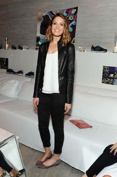 Pin for Later: From NY to LA, the Stars Are All About Prints and Hints of Lace Mandy Moore Mandy Moore at the Dance Party with New Balance and James Jeans in Beverly Hills. Mandy Moore, Style Casual, Cool Style, My Style, Casual Chic, Celebrity Red Carpet, Celebrity Style, Popsugar, Looks Black