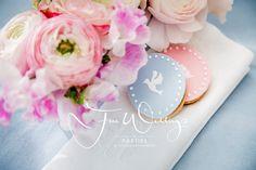 #Pantone Trend Colours 2016  #colour_concept   Biscuits by SO BANG Paris, Flower Design by Julia Wendt Eventstyling  Photo: Julia Löwe
