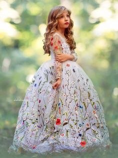 """ALALOSHA: VOGUE ENFANTS: Must Have of the Day: Hit refresh with this """"Garden Soiree"""" gown by Anna Triant Couture"""
