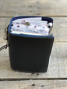 Blues & Purples for April - Chic Sparrow Outlander Pocket Plus, color Time Traveler