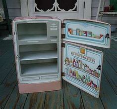 Pink Wolverine Tin Toy Refrigerator ~ i just bought one of these. The Wolverine stuff is fabulous! Vintage Barbie, Vintage Dolls, Vintage Ads, Vintage Decor, Vintage Stuff, Vintage Items, 1950s Toys, Retro Toys, Childhood Toys