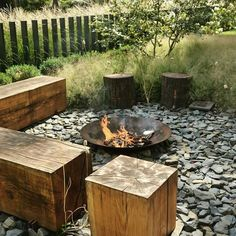 Feuerstelle Garten Design - New ideas Garden Design Plans, Small Garden Design, Outdoor Fire, Outdoor Living, Outdoor Seating, Fire Pit Area, Fire Pit Backyard, Small Garden Fire Pit, Garden Spaces