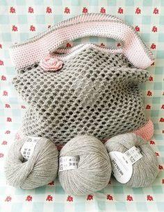 Des petits sacs en crochet.... - Le bonheur est aussi dans la Créativité