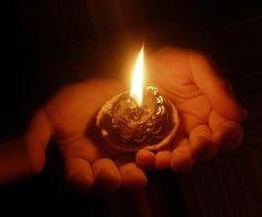 Ради памяти о безвинно погибшим, мир объединись для мира.