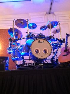 Pearl drums with level rack system
