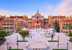 art nouveau : architecture de bâtiments à Barcelone
