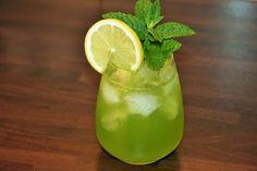 Weekend-Starter: Chinatown  #weekendstarter #cocktails #drinks #recipe #weekendstarter Cocktails, Drinks, Berry, Recipes, Craft Cocktails, Drinking, Beverages, Blueberry, Food Recipes
