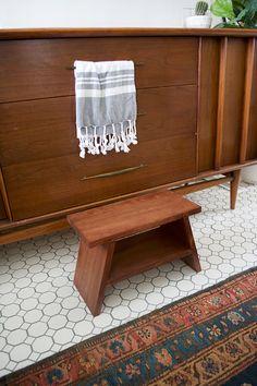 DIY Modern Step Stool - brepurposed