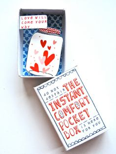 Matchbox: instant Comfort Pocket box, love in a jar, Kimslittlemonsters etsy Matchbox Crafts, Matchbox Art, Diy Paper, Paper Crafts, Cigar Box Art, Altered Cigar Boxes, Valentines Illustration, Cardboard Box Crafts, Little Boxes