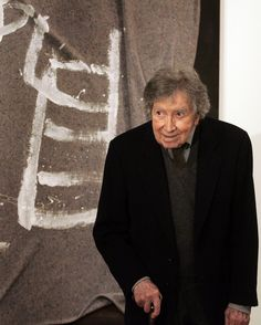 Antoni Tapies died at the age of 88 in his house in Barcelona (Catalonia)