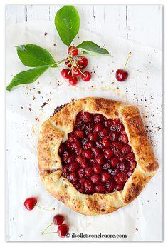 Rustic cherry tart, galette rustica di ciliegie