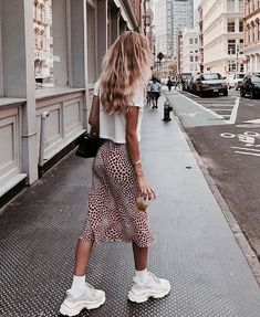 Summer Street Style Looks to Copy Now Sommer Streetstyle Mode / Fashion Week Fast Fashion, Fashion Week, New York Fashion, Look Fashion, Fashion Trends, Fashion Bloggers, Retro Fashion, Fashion Tips, Ladies Fashion