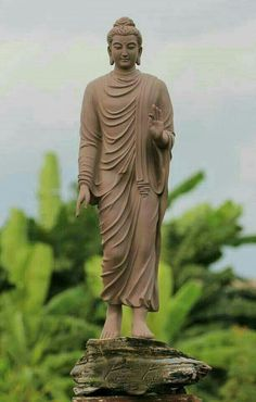 Lord Gautam Buddha HD Images and Wallpapers Lotus Buddha, Art Buddha, Buddha Painting, Buddha Buddhism, Gautam Buddha Image, Mahatma Buddha, Buddhism Wallpaper, Lord Buddha Wallpapers, Spiritual Photos