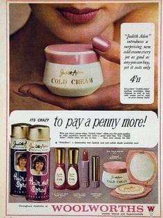 I like vintage stuff. Vintage Makeup Ads, Vintage Nails, Retro Makeup, Vintage Glamour, Vintage Beauty, Retro Vintage, Vintage Avon, Vintage Style, Cosmetics & Fragrance