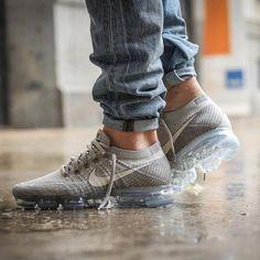 Nike Air Vapormax Flyknit #Tennis Nike Trainers, Sneakers Nike, Sneakers Fashion