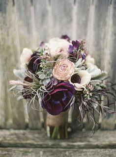 Love this rustic fall wedding bouquet! Floral Design: Flora Grubb Garden