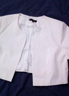 À vendre sur #vintedfrance ! http://www.vinted.fr/mode-femmes/autres-manteaux-and-vestes/31277824-veste-bolero-blanc-casse-manches-trois-quart
