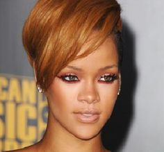 Rihanna's red-lined eyes for prom? YES
