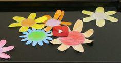 Découvrez comment fabriquer des nénuphars en papier qui s'ouvrent sur l'eau.