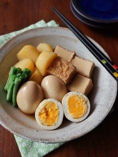 安くて低糖質な食材♡1週間分の「厚揚げ」おかずレシピ - LOCARI(ロカリ) Japanese Interior, Looks Yummy, Japanese Food, Food Photo, Eggs, Diet, Cooking, Breakfast, Recipes