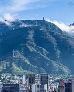 Te presentamos la selección del día: <<ÁVILA>> en Caracas Entre Calles. ============================  F O T Ó G R A F O  >> @ddejd << Visita su galería ============================ SELECCIÓN @mahenriquezm TAG #CCS_EntreCalles ================ Team: @ginamoca @luisrhostos @mahenriquezm @teresitacc @floriannabd ================ #Avila #ElAvila #Warairarepano #Caracas #Venezuela #Increibleccs #Instavenezuela #Gf_Venezuela #GaleriaVzla #Ig_GranCaracas #Ig_Venezuela #IgersMiranda…