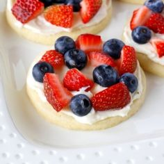 Mini INDIVIDUAL fruit pizzas, all dressed up for the 4th of July.  You can make these at home or the cabin.
